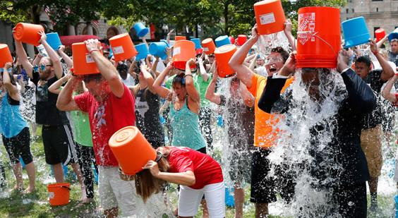 ice bucket challenge dati video critiche pareri
